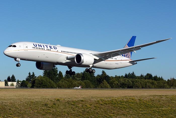 http://www.pasazer.com/img/images/airplane/United78792.jpg