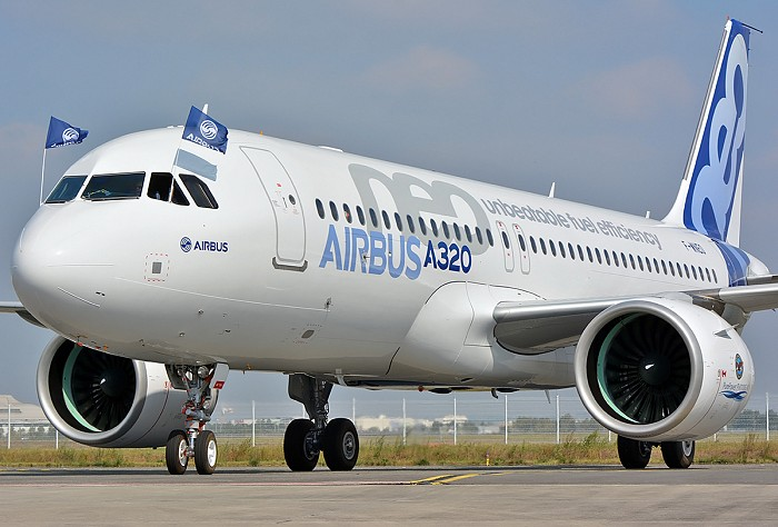 http://www.pasazer.com/img/images/airplane/a320neoff19.jpg