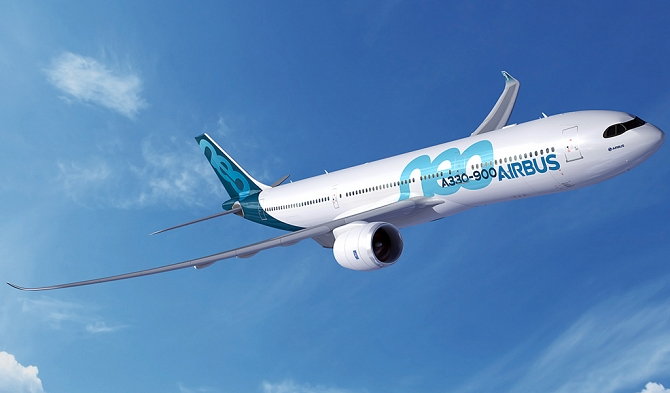 //www.pasazer.com/img/images/normal/A330-900neo__mask_livery_RR.jpg