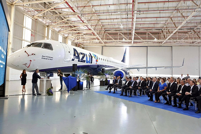 http://www.pasazer.com/img/images/normal/Embraer120th,media2.jpg
