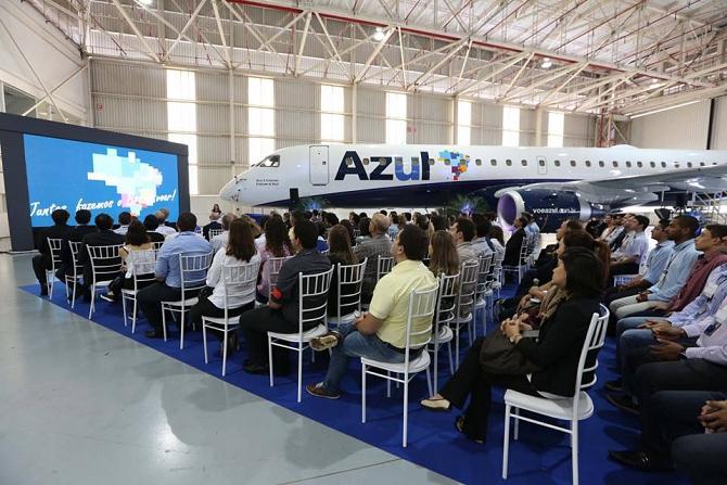 http://www.pasazer.com/img/images/normal/Embraer120th,media4.jpg