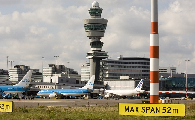 http://www.pasazer.com/img/images/normal/Schiphol,ams,klm,fot,AMS,airport_1.jpg