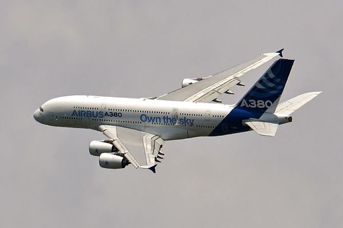 http://www.pasazer.com/img/images/normal/a380,own,the,sky,pbozyk.jpg