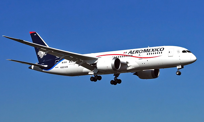 //www.pasazer.com/img/images/normal/aeromexico,b787,everett(trodgers).jpg