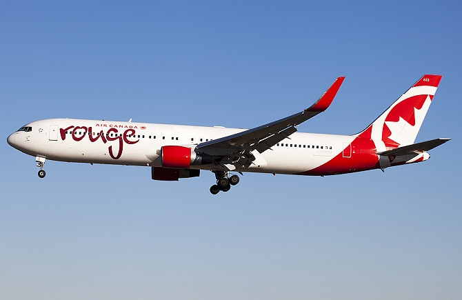 http://www.pasazer.com/img/images/normal/air,canada,rouge,b767.jpg