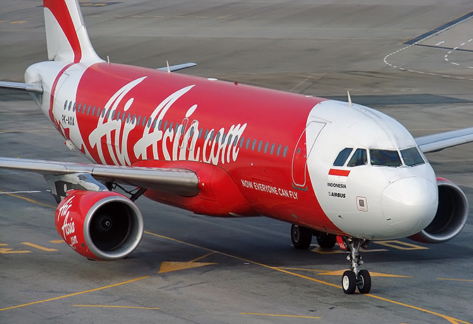 //www.pasazer.com/img/images/normal/airasia,a320,sin,pbozyk2.jpg