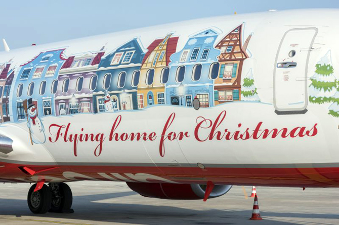 //www.pasazer.com/img/images/normal/airberlin,b737,christmas,plane,media%20(5).jpg