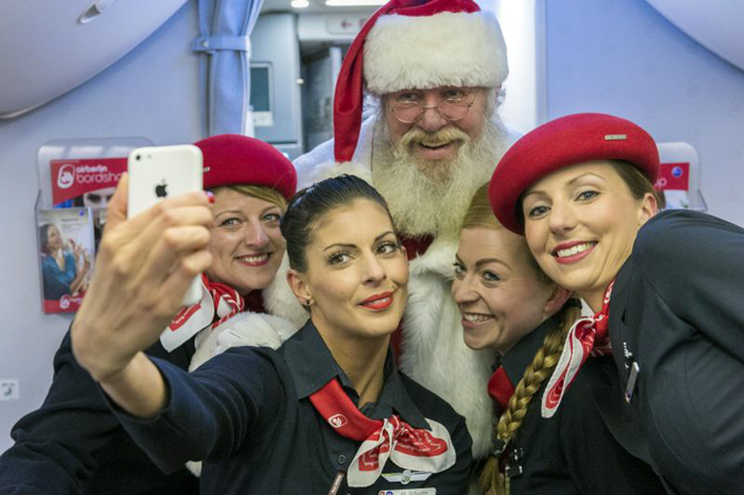//www.pasazer.com/img/images/normal/airberlin,b737,christmas,plane,media%20(9).jpg