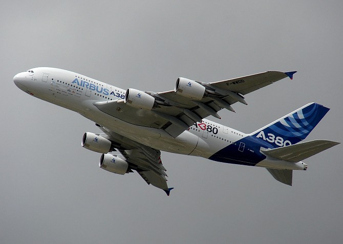 http://www.pasazer.com/img/images/normal/airbus,a380,lbg,pbozyk.jpg