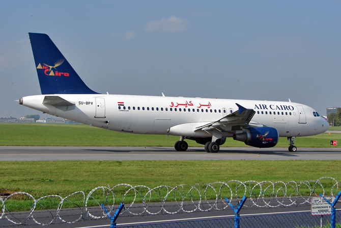 //www.pasazer.com/img/images/normal/aircairo,a320,waw,pbozyk.jpg