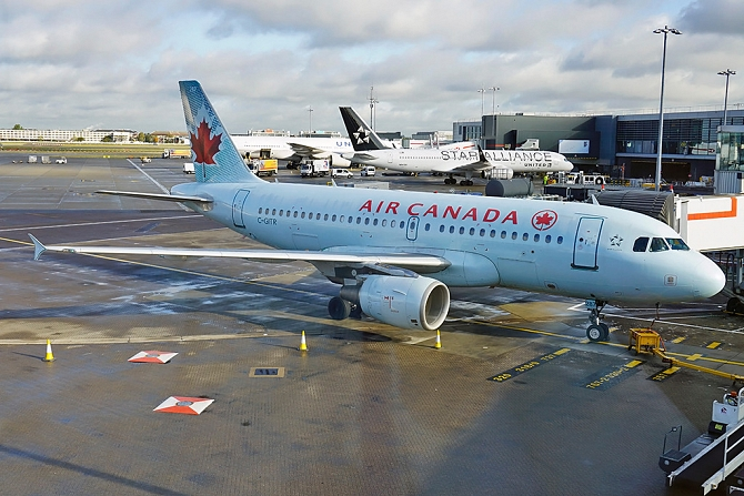 //www.pasazer.com/img/images/normal/aircanada,a319,lhr,pbozyk.jpg