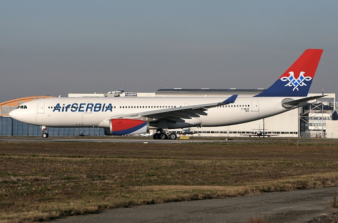 http://www.pasazer.com/img/images/normal/airserbia,a330,media.jpg
