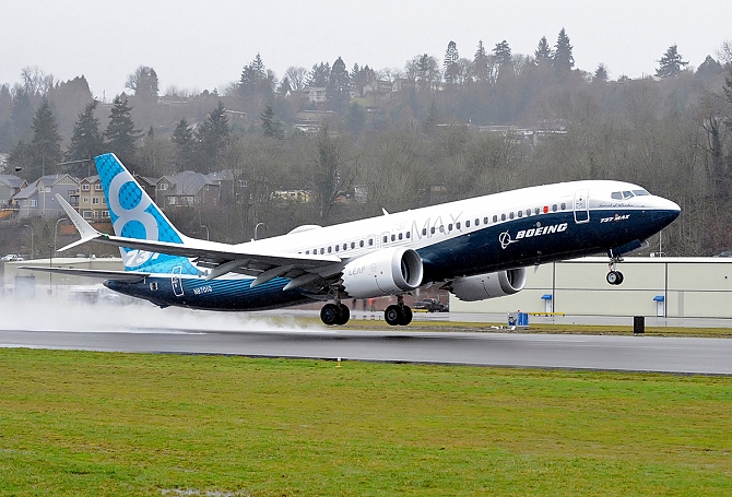//www.pasazer.com/img/images/normal/b737max,firstflight,media%20(2).jpg
