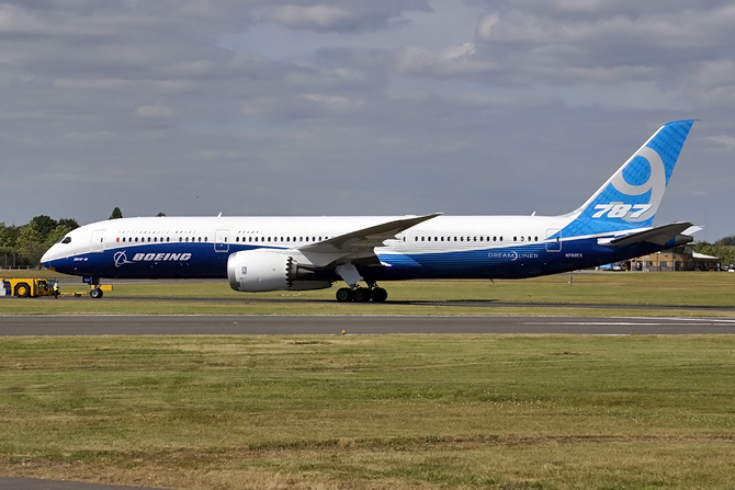 //www.pasazer.com/img/images/normal/boeing,787-9,farnborough,pbozyk.jpg