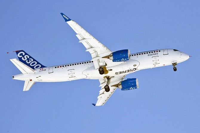 //www.pasazer.com/img/images/normal/bombardier,cs300,media3.jpg