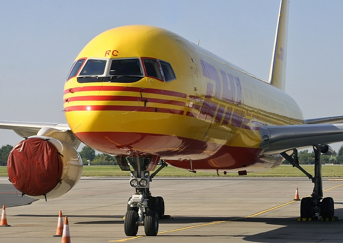 //www.pasazer.com/img/images/normal/dhl,b757,cargo,waw.jpg
