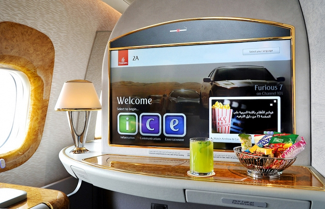 http://www.pasazer.com/img/images/normal/emirates,ife,media%20(3).jpg