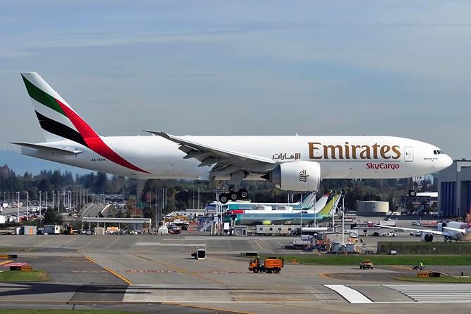 http://www.pasazer.com/img/images/normal/emirates,skycargo,b777f,tony,rodgers.jpg