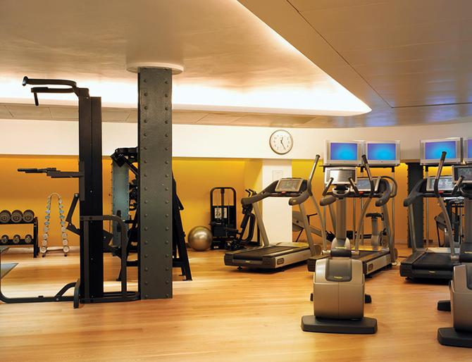 http://www.pasazer.com/img/images/normal/hotel,one,aldwych,londyn,pbozyk%20(14).jpg