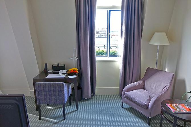 http://www.pasazer.com/img/images/normal/hotel,one,aldwych,londyn,pbozyk%20(3).JPG