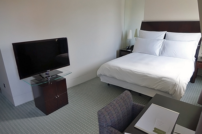 http://www.pasazer.com/img/images/normal/hotel,one,aldwych,londyn,pbozyk%20(4).JPG