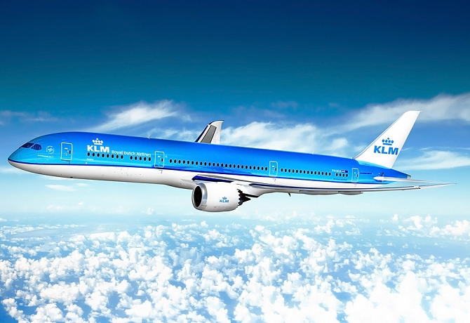 http://www.pasazer.com/img/images/normal/klm,boeing,b787-9,dreamliner,media.jpg