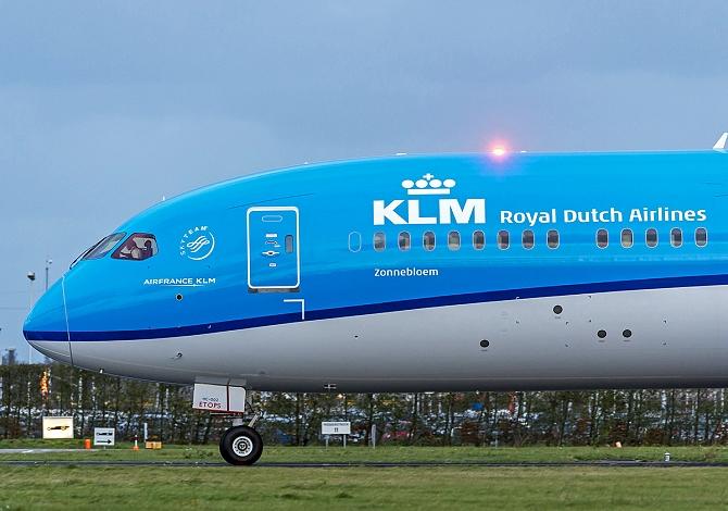 http://www.pasazer.com/img/images/normal/klm,dreamliner,787-9,media2.jpg