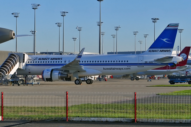 //www.pasazer.com/img/images/normal/kuwait,airways,a320,pbozyk1.jpg