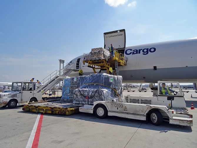 http://www.pasazer.com/img/images/normal/lufthansa,cargo,fra,pbozyk%20(37).jpg