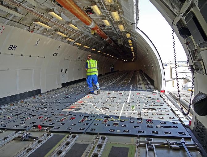 http://www.pasazer.com/img/images/normal/lufthansa,cargo,fra,pbozyk%20(44).jpg
