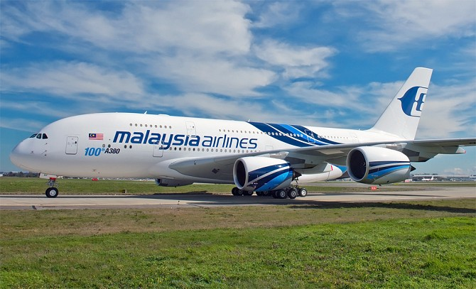 http://www.pasazer.com/img/images/normal/malaysia,airlines,a380,media.jpg
