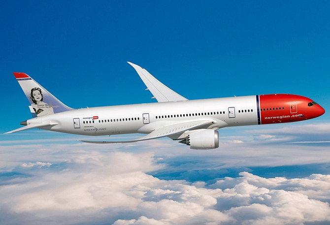 http://www.pasazer.com/img/images/normal/norwegian,b7879,dreamliner,media.jpg