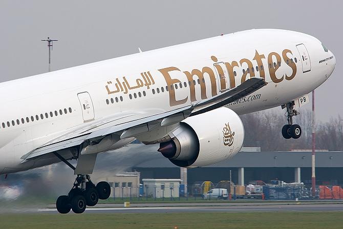 http://www.pasazer.com/img/images/normal/radoslaw,cholody,emirates%20(1).jpg