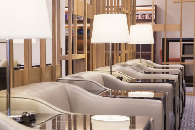 http://www.pasazer.com/img/images/normal/singapore,lhr,krisflyer,lounge,business%20(7).jpg