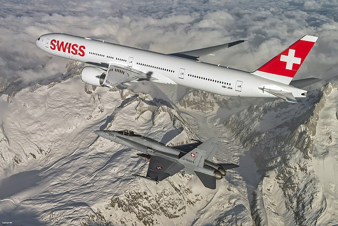 //www.pasazer.com/img/images/normal/swiss,b777,media.jpg