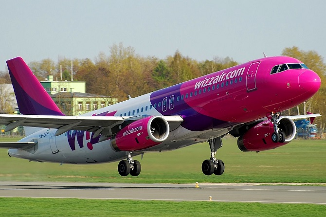 //www.pasazer.com/img/images/normal/wizz,air,a320,(p.bozyk)_1.jpg